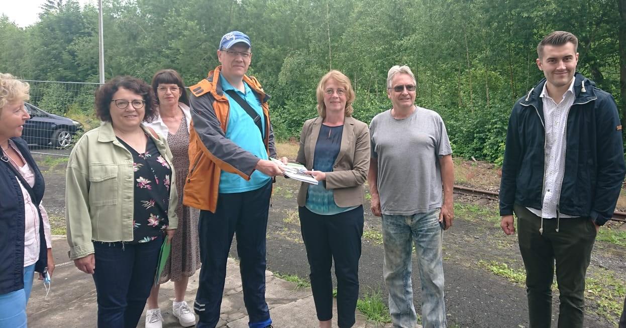 Besuch von Tabea Rößner am Simmerner Bahnhof